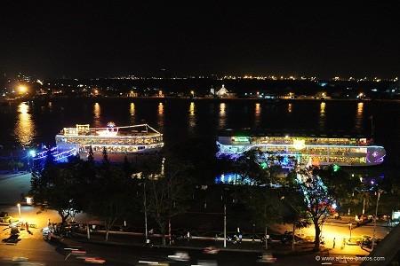 Saigon_river-d5378ee41a