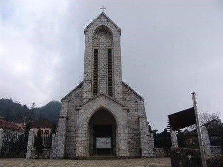 Sapa-Stone-Church-3fdafa6450